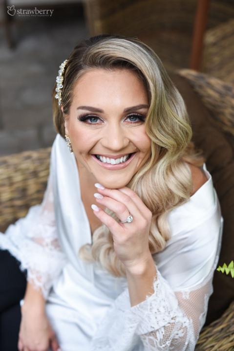 bride-smile-portrait-diamond-ring.jpg