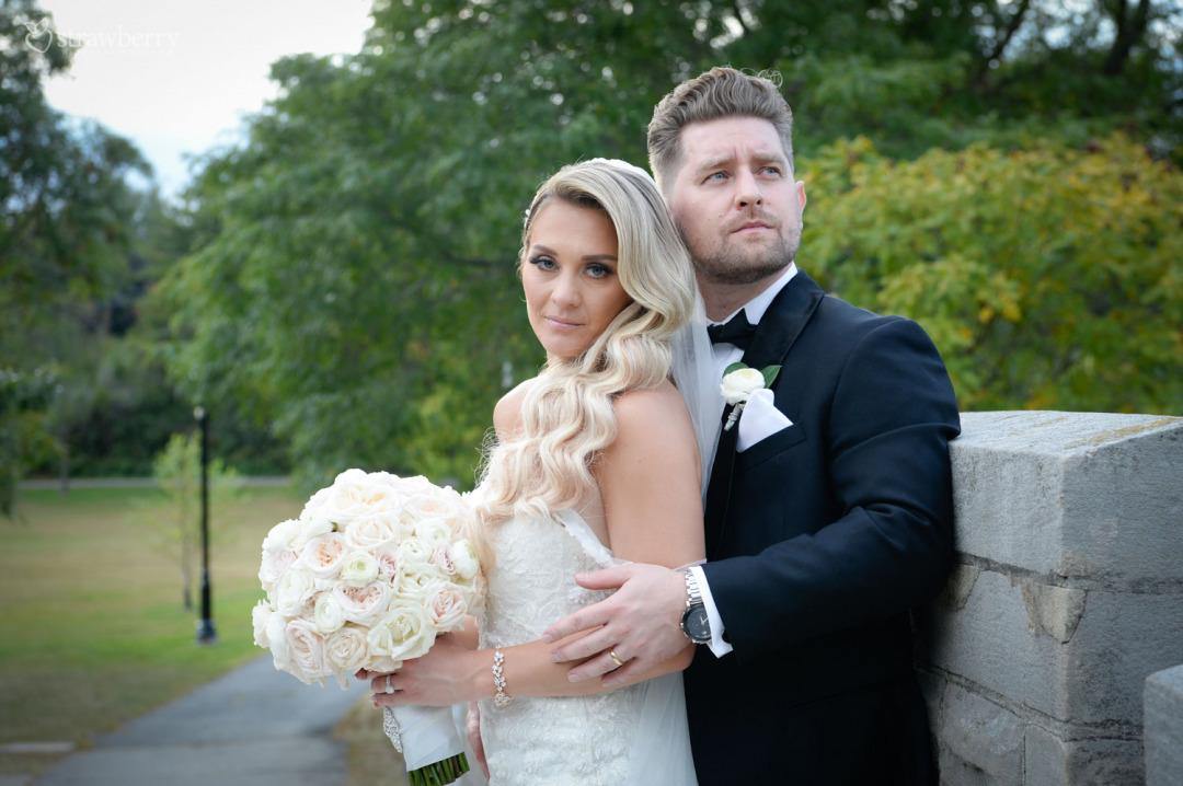 newlyweds-park-wedding-bouquet.jpg