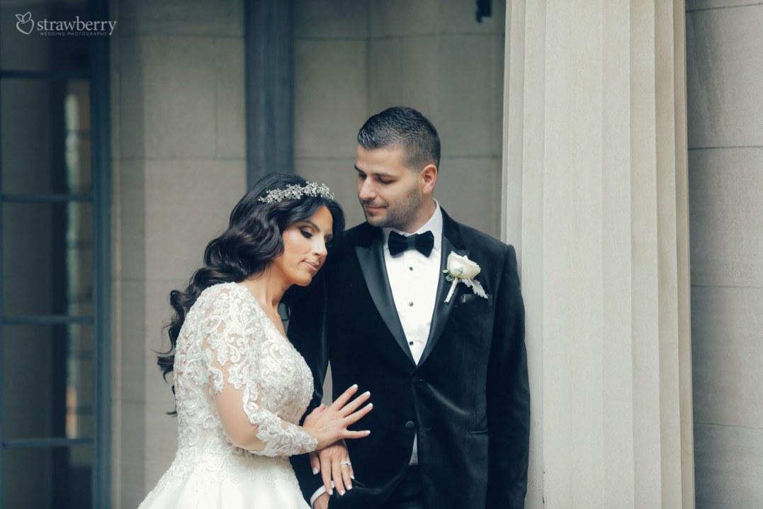 hugging-look-wedding-ring-column-2