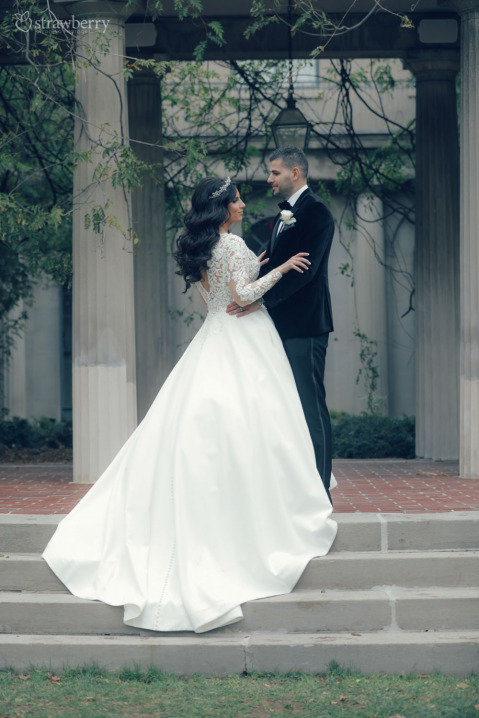 standing-stairs-smile-bride-groom-1