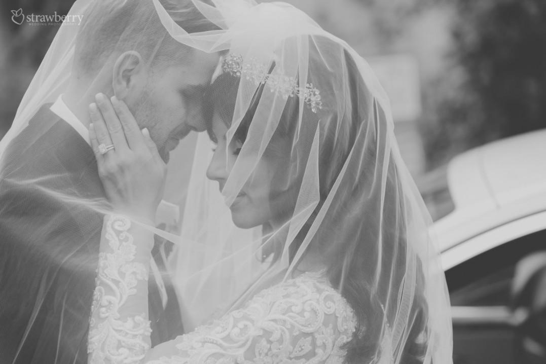 under-veil-together-ring-black-white