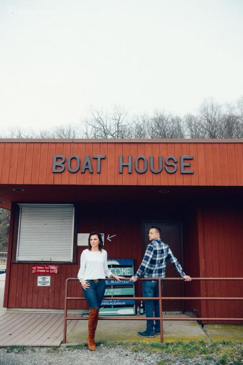 04-boat-house-engaged-couple.jpg