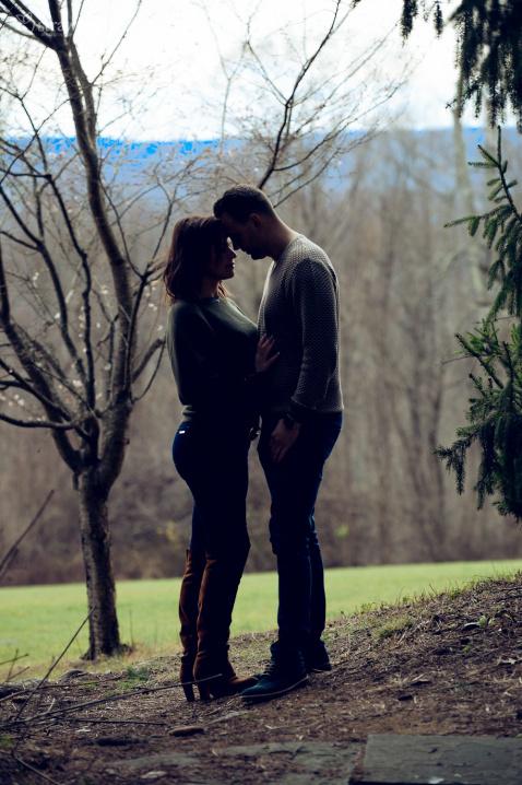 07-lovers-pair-engagment-closeness.jpg