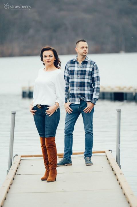 10-couple-pier-lake.jpg
