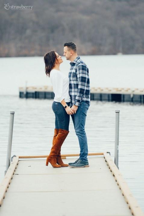 11-couple-pier-lake-love.jpg