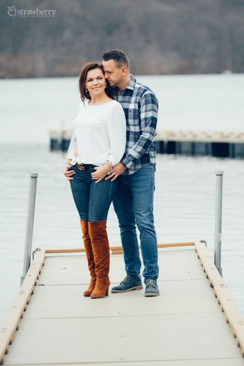 16-couple-pier-lake-love.jpg