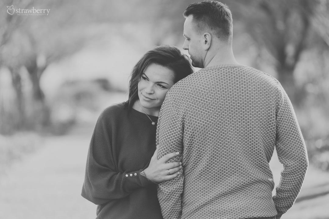 34-black-white-couple-closeness.jpg