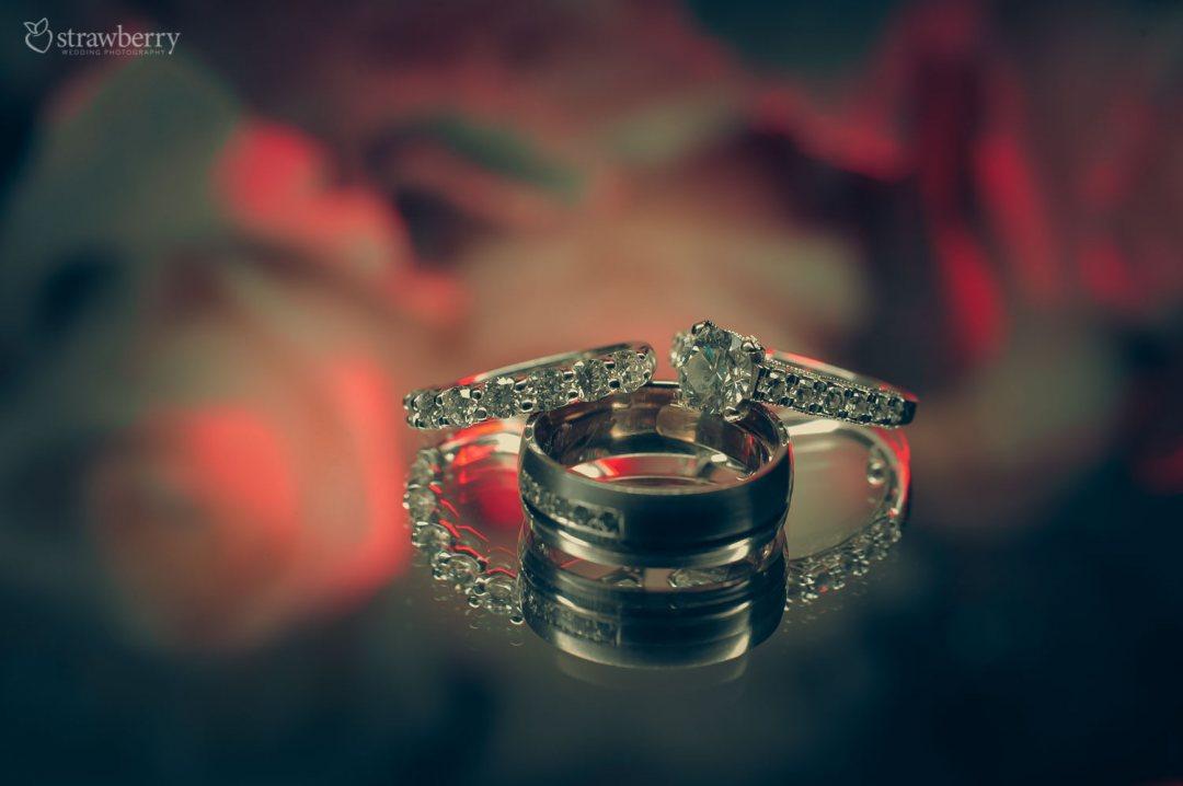 diamond-wedding-rings-shot