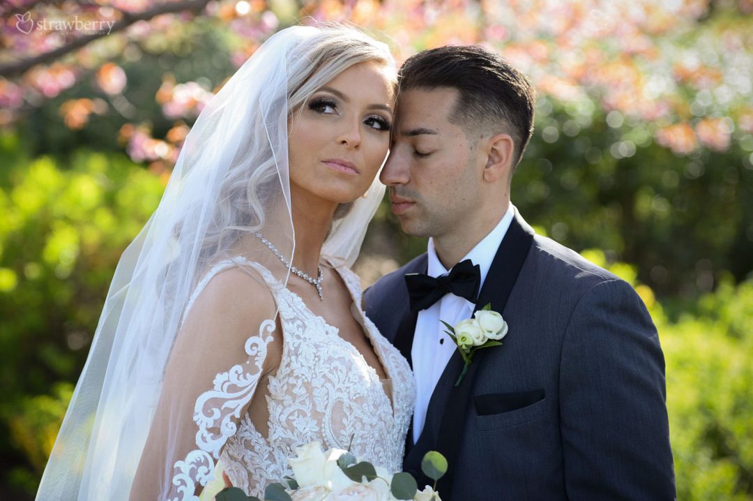 married-couple-portrait-spring-lace-veil