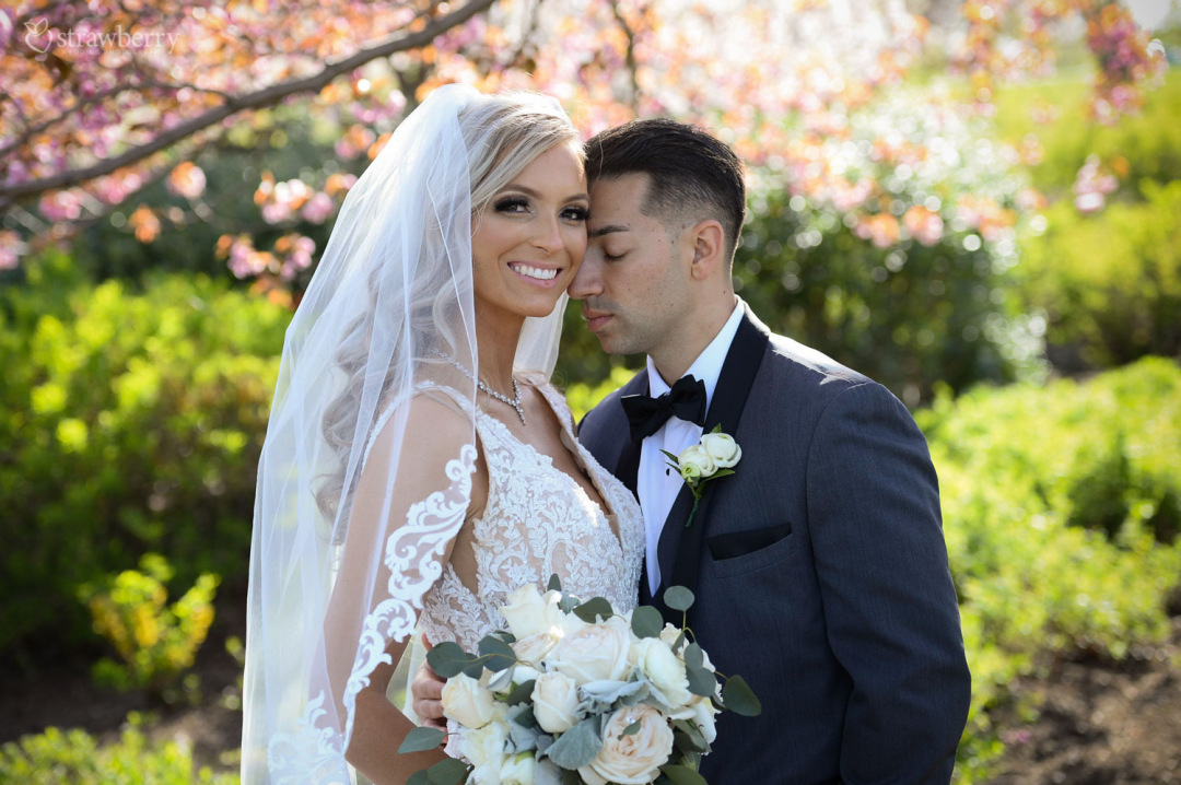 newlyweds-spring-beautiful-scenery-lace-veil