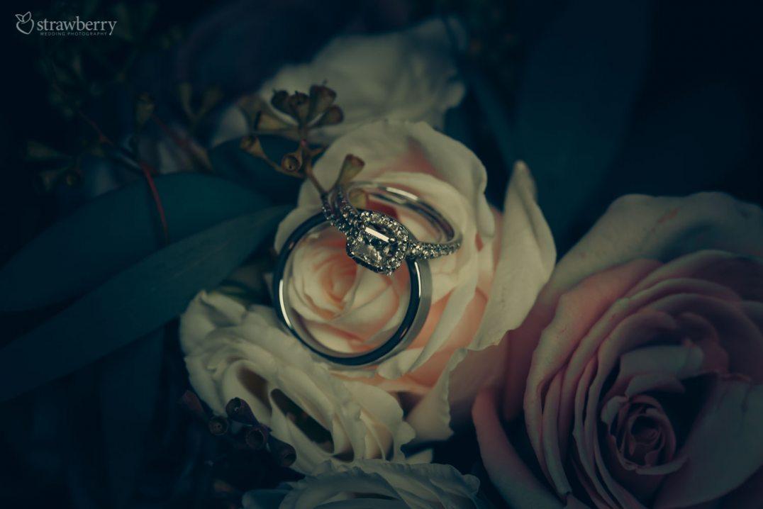 09-diamond-rings-roses.jpg