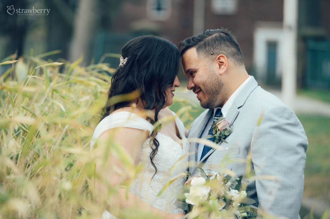 23-newlyweds-deep-look-grain.jpg