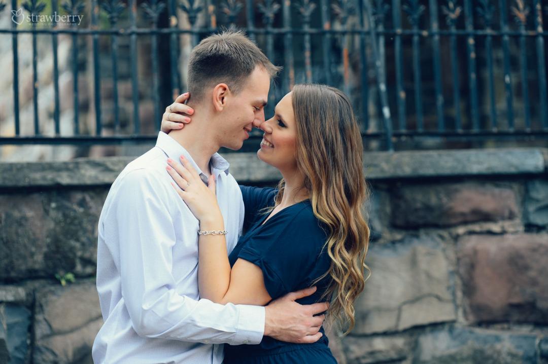 09-couple-hug-closeness.jpg