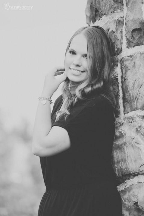17-beautiful-woman-smile-bracelet-black-white-3.jpg