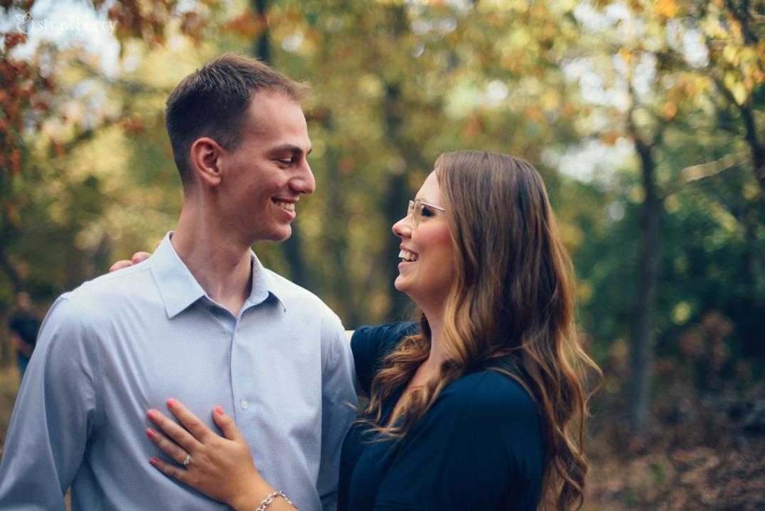 25-laughing-couple-love-glasses-bracelet-ring-2.jpg